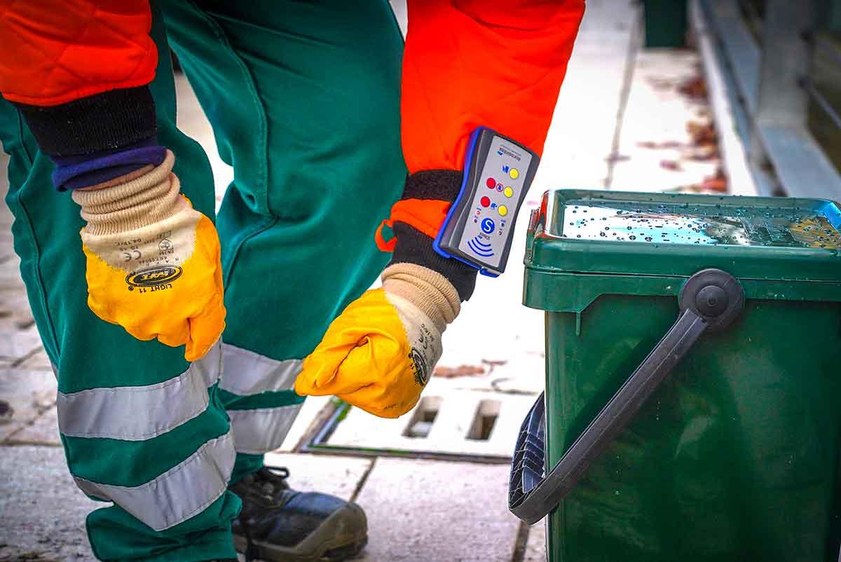 operatore Ecoross traccia conferimento rifiuti